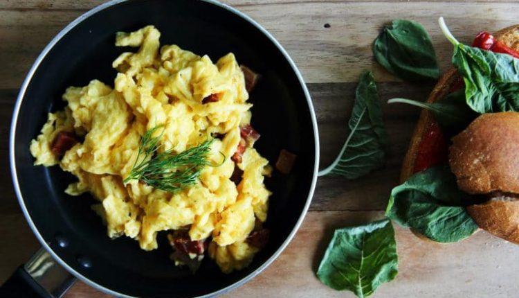 3 أفكار جديدة لإفطار صحي لتخفيف الوزن