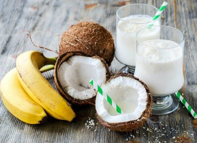 وصفة عصير الموز بالحليب وجوز الهند