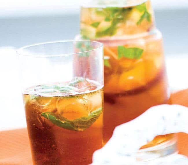 طريقة عمل الشاي المثلج بالخوخ - وصفة شاي خوخ مثلج