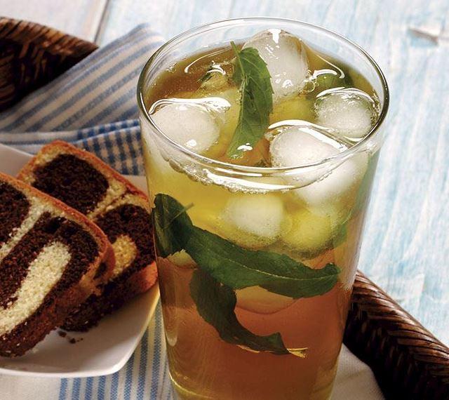 طريقة عمل شاي أخضر بالنعناع المثلج
