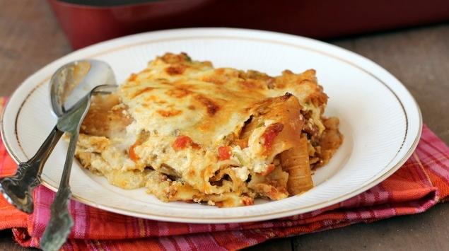 طريقة عمل اللازانيا الإيطالية بالدجاج والجبنة