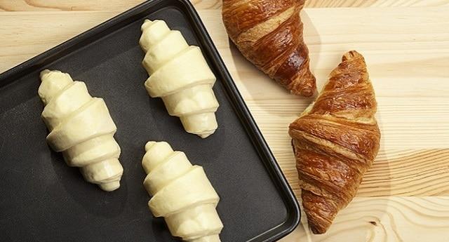 طريقة خبز الكرواسون المجمد في الفرن