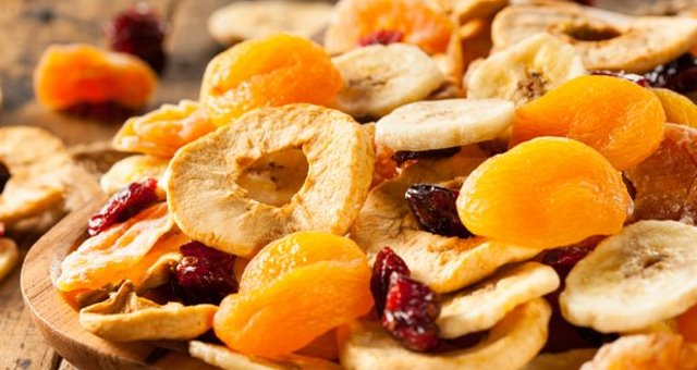 قائمة السعرات الحرارية في الفاكهة المجففة وأقل الفواكه سعرات حرارية