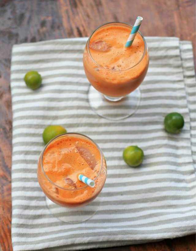 ديتوكس البرتقال والتفاح والجزر