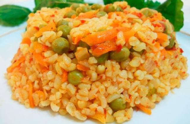 طريقة طبخ أرز البرغل بالخضار على الطريقة التركية