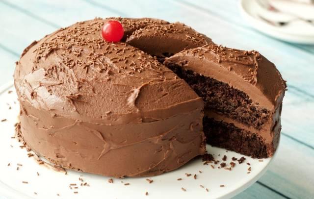كيكة الشوكولاتة الألمانية الخالية من الجلوتين