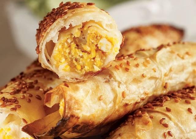 بوريك القرع العسلي بالجبنة - فطائر اليقطين مقرمشة ولذيذة