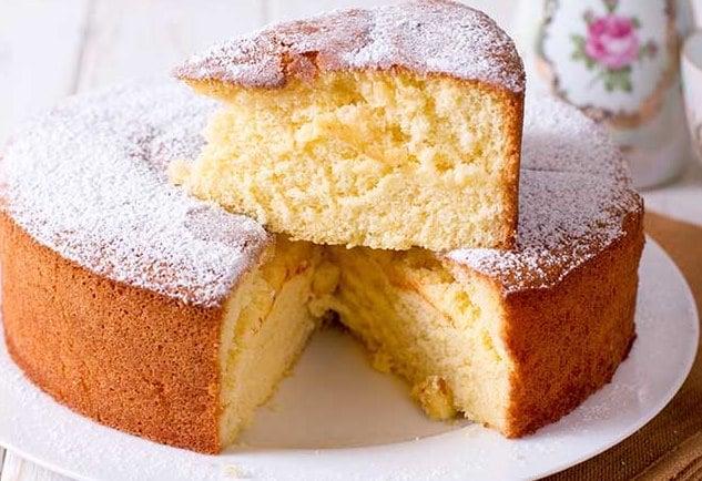 الكيكة الاسفنجية الهشة بالطريقة العادية والبسيطة