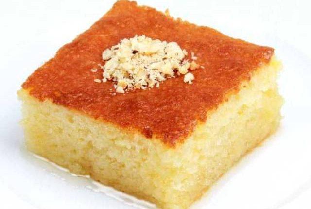 طريقة عمل حلوى الزبادي بالسميد لذيذة وخفيفة جدا