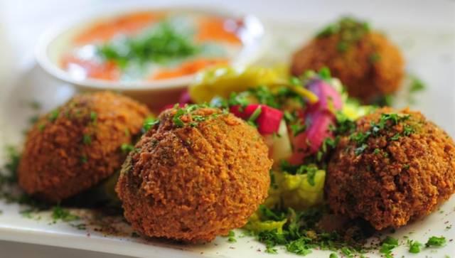 طريقة عمل الفلافل بالحمص التركية لذيذة مثل الجاهزة