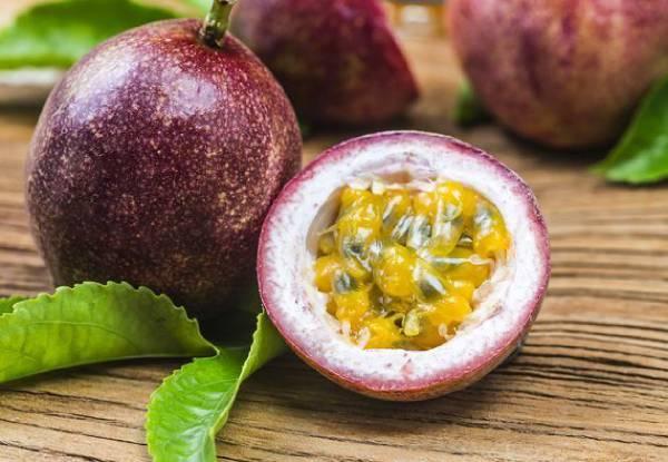 فاكهة الباشن فروت ( Passion Fruit )