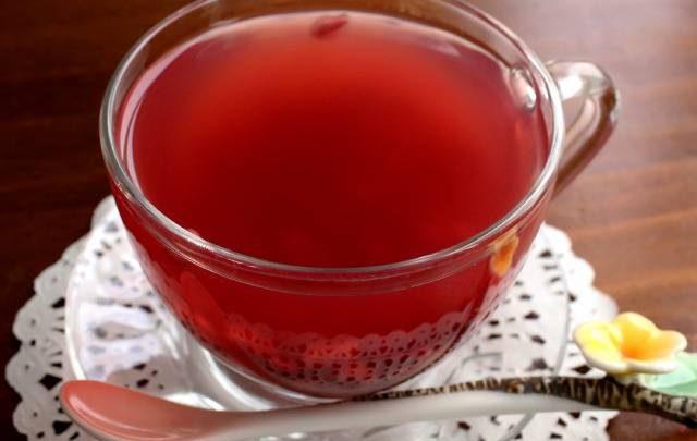 طريقة عمل شاي الرمان التركي البارد من ثلاث مكونات فقط