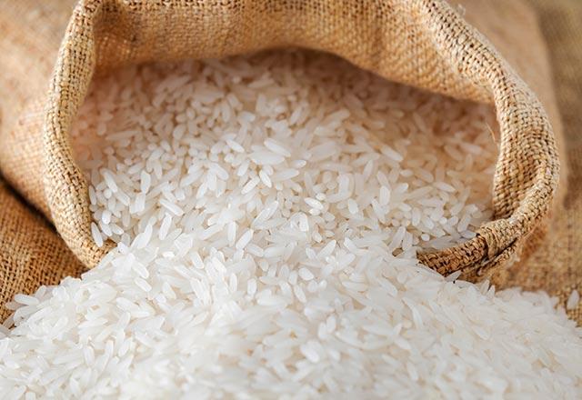 تعرفي على فوائد الأرز وكمية الكربوهيدرات في الرز المطبوخ