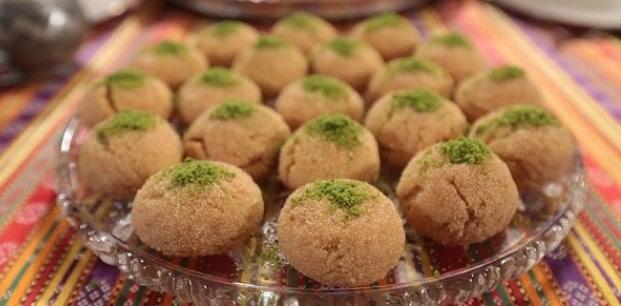 طريقة عمل كرات السميد التركية – حلوي السميد المقرمشة