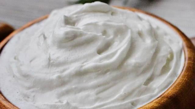 7 بدائل لكريمة الطبخ: اللبن والزبدة ، كريمة جوز الهند ، كريمة الكاجو