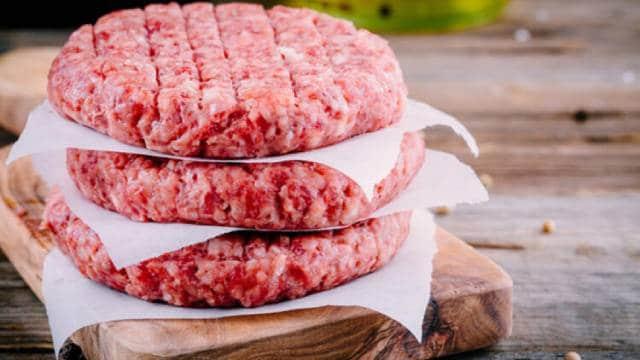 4 طرق بسيطة لمعرفة اللحم المفروم الفاسد